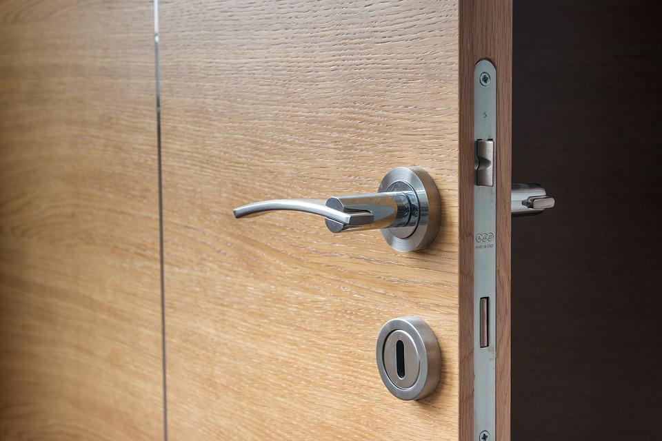 Cerrajería24 horas en Irún:  Tipos de puertas